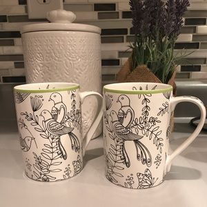 🦜Pair of Cynthia Rowley Mugs